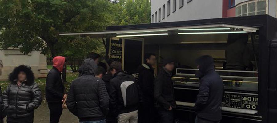 Food truck chez gg sur la techlid lyonnaise de limonest